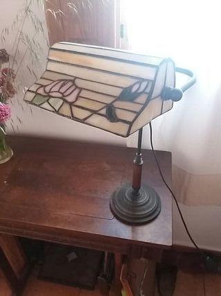 Lámpara escritorio estilo Tiffany