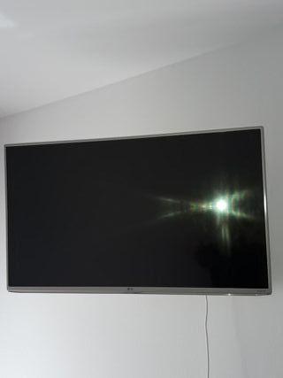 televisión LG de color blanco 43 pulgadas ,wifi