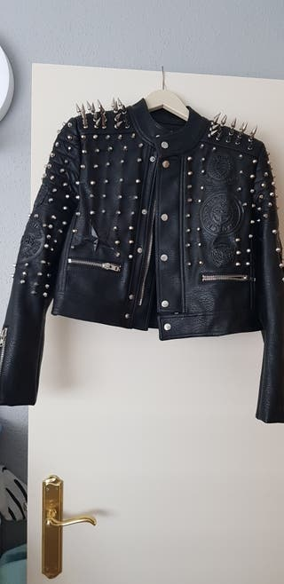 chaqueta marca Nevada love de capriche