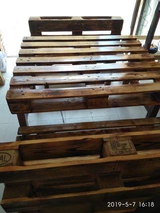 mesa con dos banco jardin