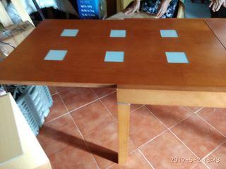 Mesa de Salón y seis sillas a juego