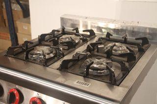 Cocina 4 fuegos con horno 70x75x97 cm