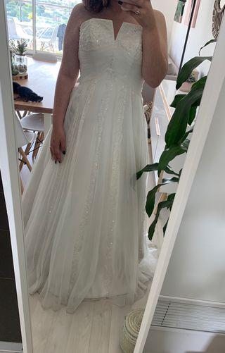 b682bd441 Vestido de novia talla 36 de segunda mano en Valencia en WALLAPOP