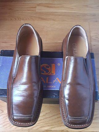 zapatos número 45