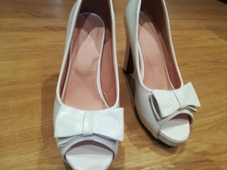 La Mano Zapatos Segunda Provincia Salamanca Novia En De cASq5j34RL