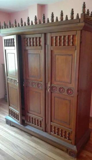 Mueble, armario de madera