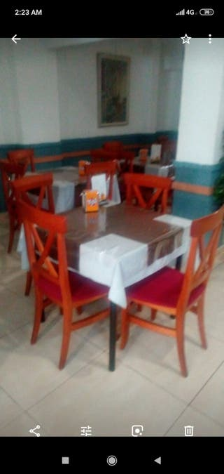 sillas y mesas