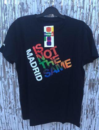 Camiseta desigual unisex