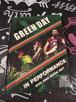 Green day. In performance dvd and book set.
