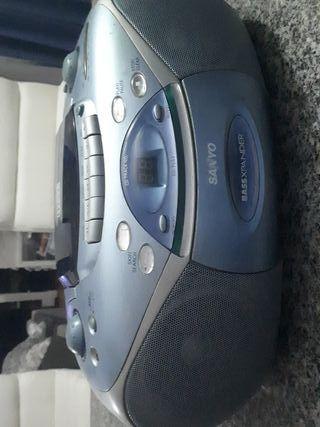 REPRODUCTOR Radio CD y Casette SANYO