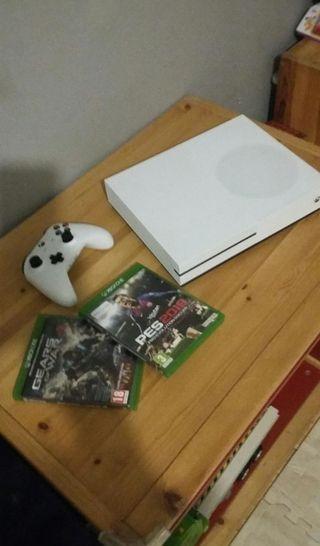Xbox one s 500gb mando y 2 juegos