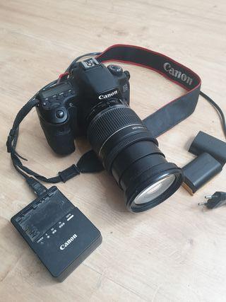 Cámara Canon 60D + objetivo 18 - 200 Canon