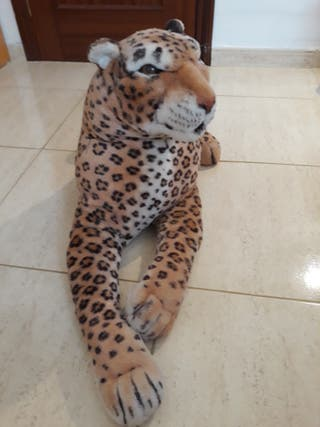 se vende peluche de leopardo en Tenerife
