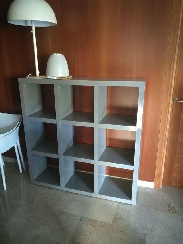estantería laca gris perfecta 30 euros 35/125/125