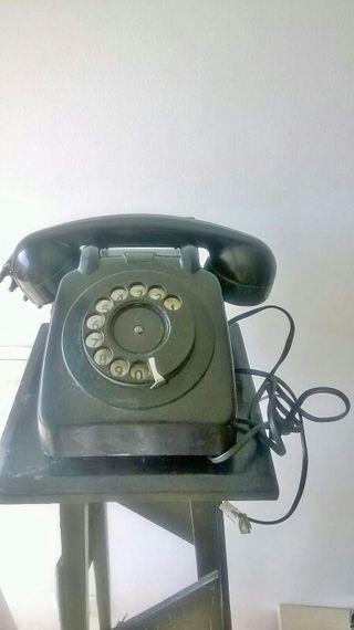 antiguo teléfono de pasta