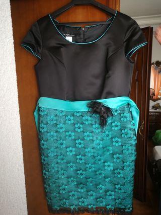 VENDO vestido TALLA 48 utilizado una sola vez.