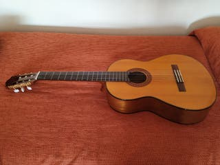 guitarra Yamaha valorada en más de 300€