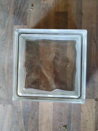 vendo 30 ladrillos de vidrio de 19 x 19 x 8 cm