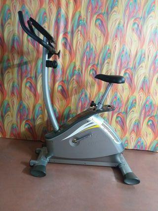 Bicicleta estática BH ONYX