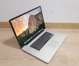 """MacBook Pro 17"""" 8GB SSD 240GB + HD 750GB"""