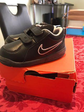 Zapatillas Nike para niños pequeños