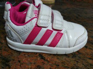 zapatillas Adidas niña número 24