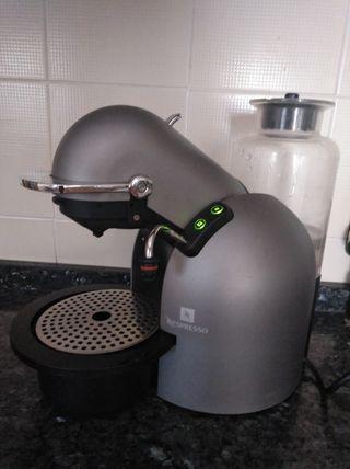 cafetera capsulas Nespresso kups