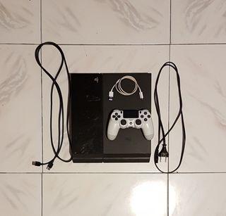 Ps4 + Mandos + Juegos + Cables