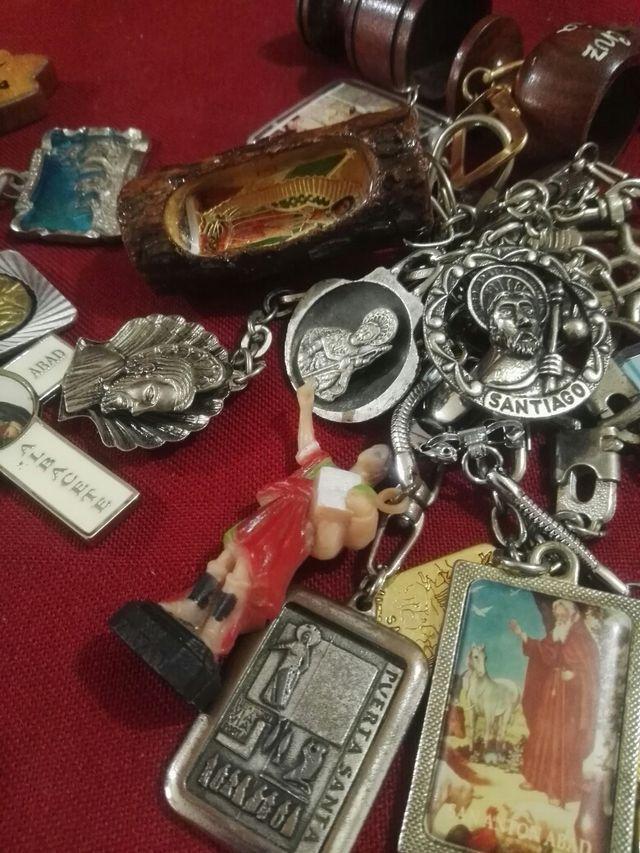 Llaveros antiguos de religión