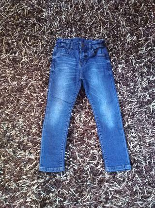 pantalon vaquero Zara
