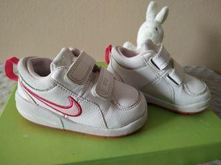 Zapatillas deportivas número 21
