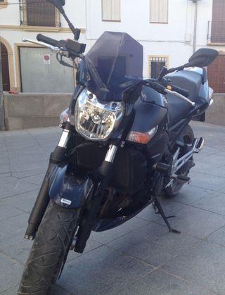 SUZUKI GSR 600cc; 100Cv,