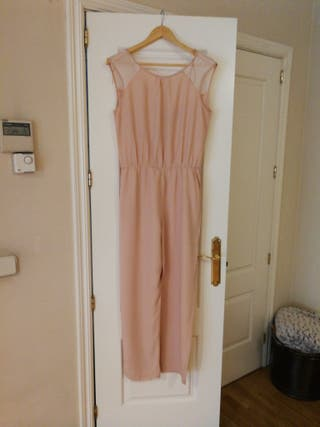 d413ce1cf0 Mono de Zara rosa de segunda mano en Madrid en WALLAPOP