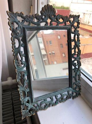 Espejo de estilo Rococo