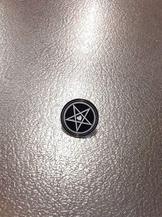 pin pentagrama