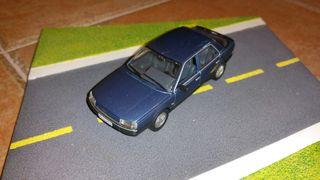 coche escala 1/43 Renault 25