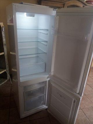 frigorífico nuevo,tiene cinco meses