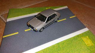 coche escala 1/43 Renault 14