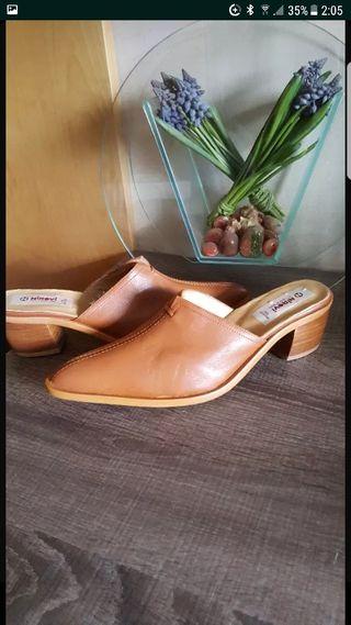 Zapatos de piel n.37 NUEVOS SIN ESTRENAR