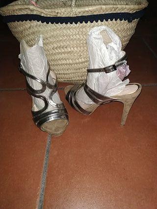 Sandalias de tacón ,un solo uso