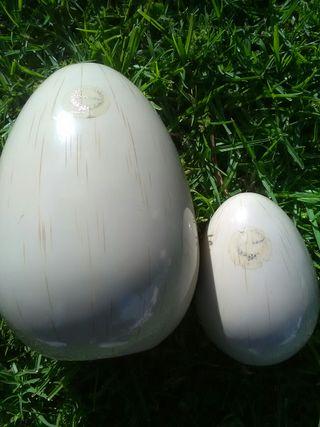 Huevos antiguos de marfil