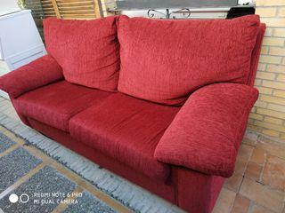 sofá tres plazas rojo