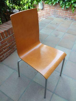 URGE VENDER 4 sillas cocina madera