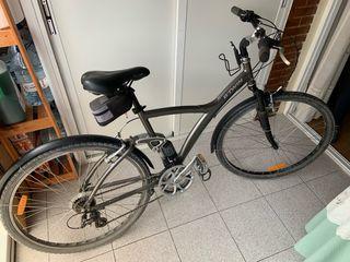 Bicicleta de paseo híbrida