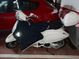 Moto Vespa(seminueva)5861 KM
