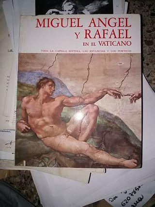 Migue Ángel y Rafael en el vaticano