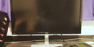 Gaming PC i7 7700 GTX1070 8GB+ 4k monitor