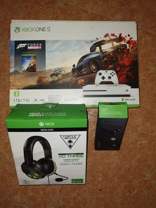 Xbox one S + cascos + batería