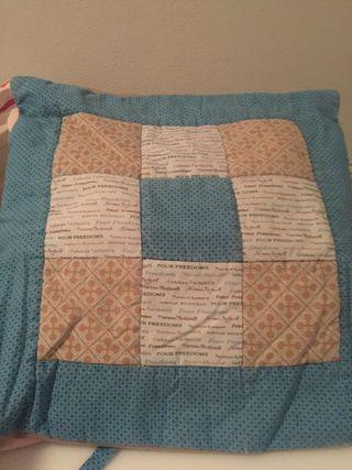 Cojines patchwork y plaids para sofá y sillon