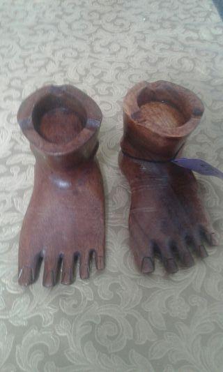 cenicero pies madera
